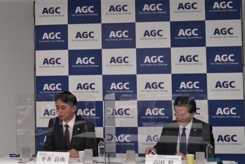 新研究開発棟について説明する平井良典専務執行役員CTO(最高技術責任者)