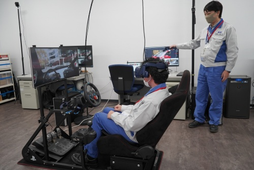 VRなどを活用して研究開発を行う部屋もある