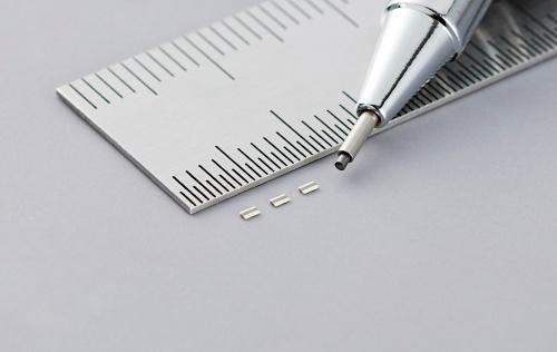 外形寸法が0.5mm×1.0mm×0.2mmと小さい低ESLの積層セラミックコンデンサー