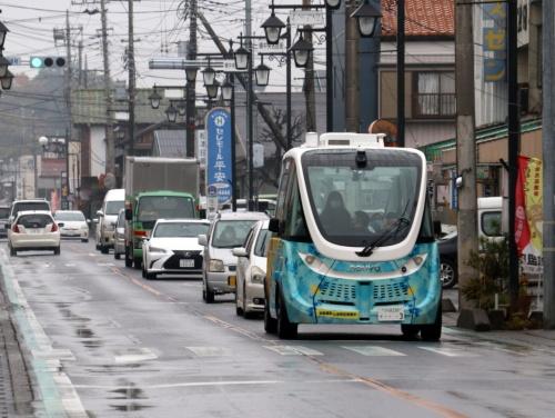 茨城県境町の公道を走る自動運転バス