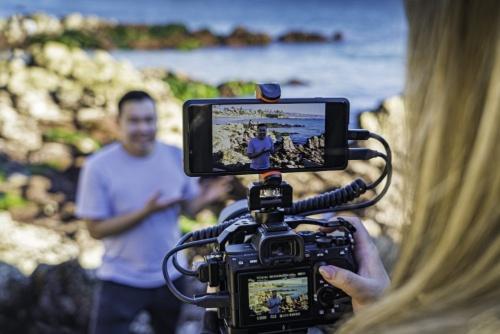 HDMI入力によるカメラ映像を利用してライブ配信が可能