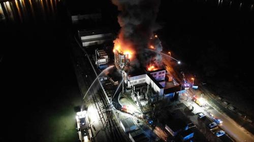 ストラスブールのあるバ=ラン県の消防当局がTwitterに公開した火災の様子
