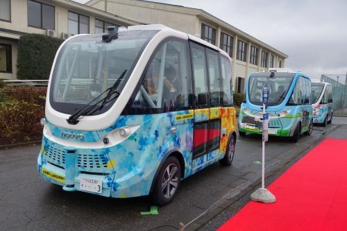 茨城県境町で走るハンドルのない自動運転バス(撮影:日経クロステック)