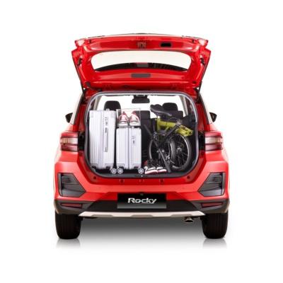 新型車の荷室