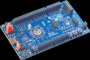 Ambiq Microの「Apollo4」搭載の参照ボード