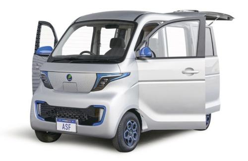 図1 佐川急便が配送用の軽商用バンとして導入予定の中国製EVのモックアップ