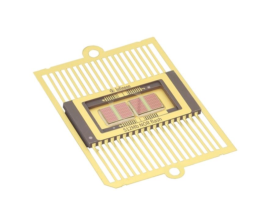 512Mビットの「CYRS16B512」 (出所:Infineon Technologies)