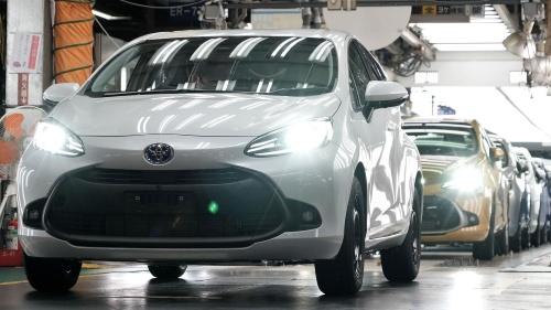 図1 トヨタ自動車東日本の岩手工場で生産が始まった新型アクア