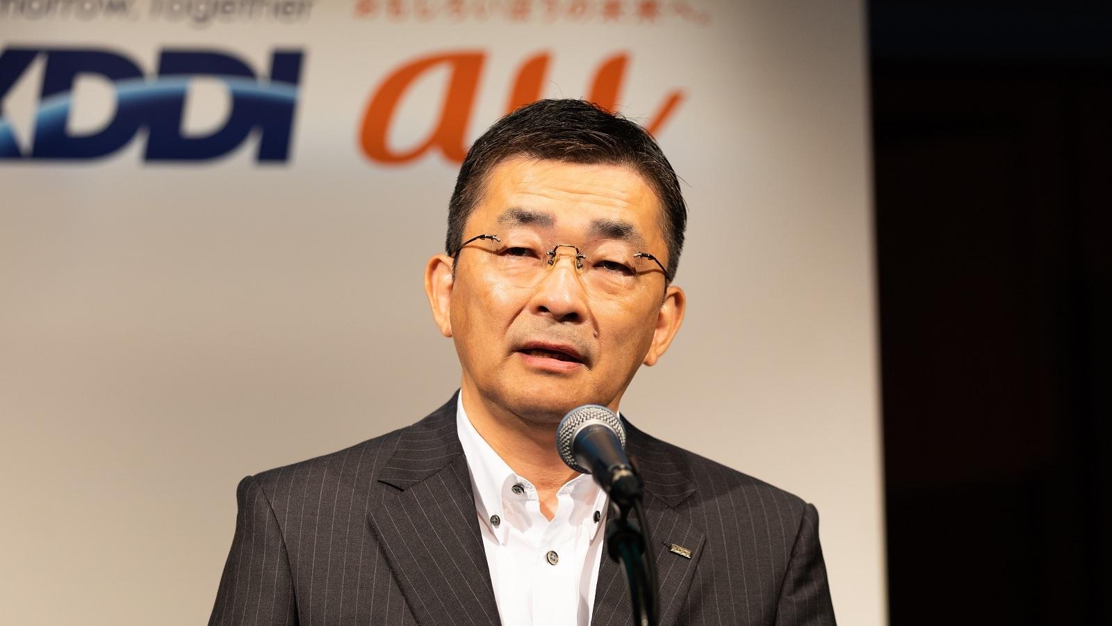 2021年4~6月期の連結決算を発表するKDDIの高橋誠社長 (出所:KDDI)