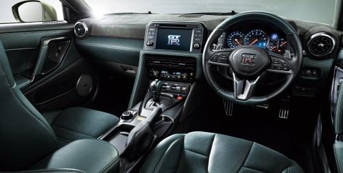 図7 GT-R Premium edition T-specの内装