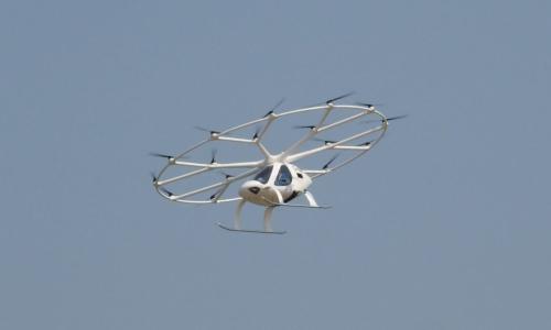 飛行デモ中のボロコプターの機体