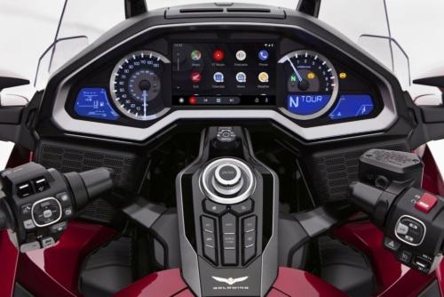 図 Gold Wingに搭載されたAndroid Autoの画面イメージ