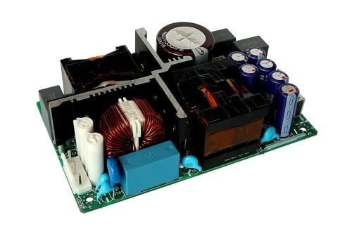 変換効率が96%と高い500W出力の医療機器向けスイッチング電源