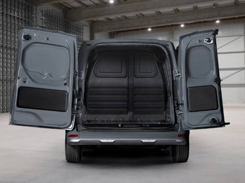 新型車(バン)の荷室