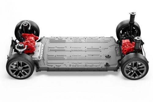 車両底部にリチウムイオン2次電池を敷き詰めた米Tesla(テスラ)の「モデルS」