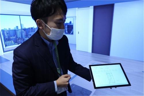 3次元LEDシアターで、間取り図を見せながら説明するもよう