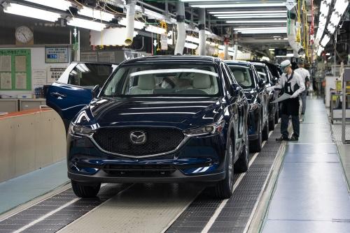 防府第2工場で生産する現行CX-5。同工場でラージPF車を生産する。(出所:マツダ)