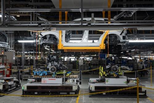 防府第2工場でラージ車種を生産できるように改装した。(出所:マツダ)