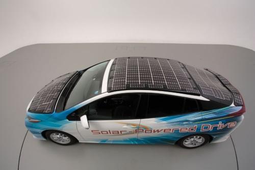 図 太陽電池を搭載した電動車の例